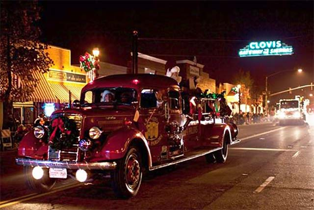 childrens christmas electric parade in clovis, ca
