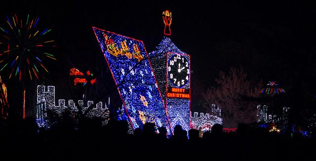 Christmas Tree Lane Fresno.The 7 Most Epic Christmas Light Displays In Fresno C A